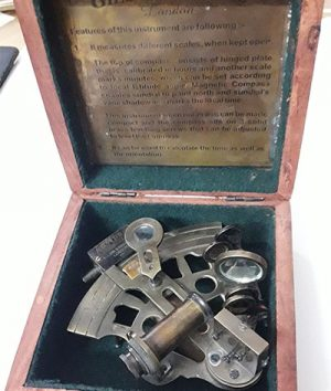 Collectible compass and scale gauge with brand and date engraved in 1917 with original box-mnq