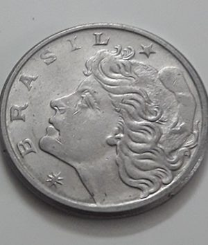 Foreign coin of the beautiful design of Brazil in 1975-ree
