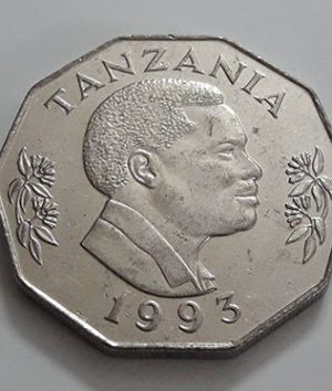 Foreign coin of the beautiful design of Tanzania in 1993-bnm