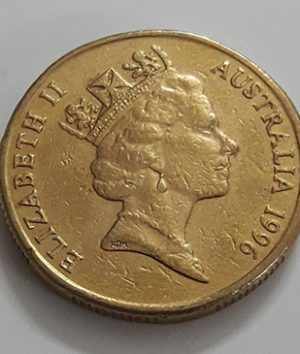 Australian one-dollar commemorative foreign coin of the Crown Queen of 1996-amn