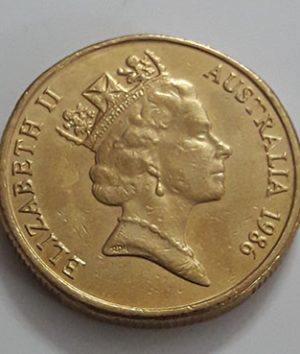Australian one-dollar commemorative foreign coin of the crowned queen of 1986-hgf