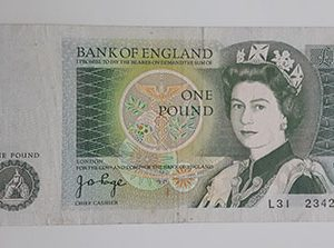 Extra Rare Collectible Foreign Banknotes پ 1 British Country Picture of the Crowned Queen-uyt