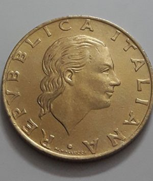 Foreign commemorative collectible coins of Italy-sat