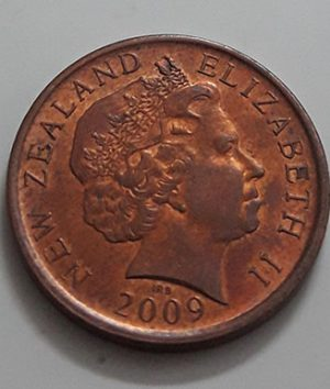 New Zealand collectible foreign coin, beautiful design of the old queen of 2009-eai