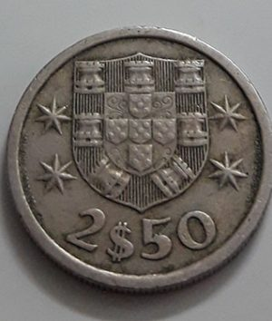 Collectible foreign coins of Portugal in 1974-vai