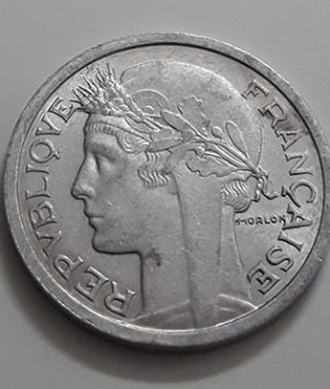 Collectible foreign coins of beautiful design of France with extremely high quality in 1959-aoz