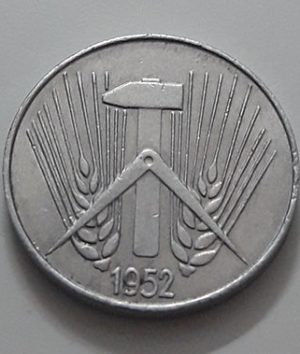 Collectible foreign coin 5 technician East Germany 1952-aou